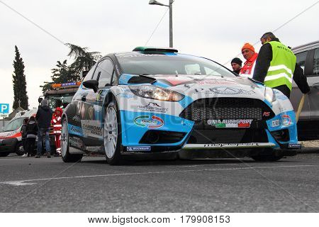 Testico Italy - April 01 2017-64 Di Sanremo Rally: The Ford Fiesta conducted by the crew Ferrarotti-Phenols at the start of the second special stage of speed 'timed race, the one from Testico carried to the summit of the Colle D'Oggia.