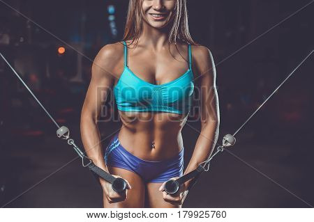Sexy Pretty Fitness Girl Diet Training Chest Pumping Beautiful Breast.