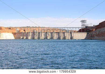 Glen Canyon dam at the border of Arizona and Utah