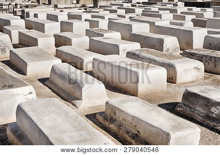 Marrakesh, Morocco - October 24, 2018: Anonymous White Tombs Mark The Graves In The Ancient Jewish C