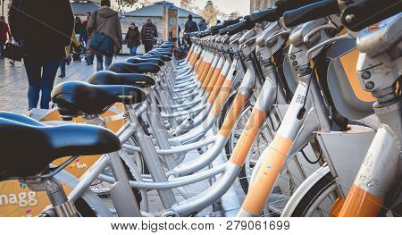 Velomagg Bike Sharing City Bikes For Rental In Montpellier