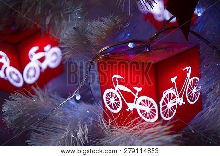 Decorated Chrismas Tree, New Year 2019, Chrismas Lighs Closeup