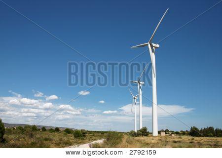 Un molino de viento turbinas