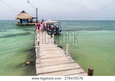 San Bernardo, Colombia - August 31, 2015: Tourists On A Pier On Palma Island Of San Bernardo Archipe