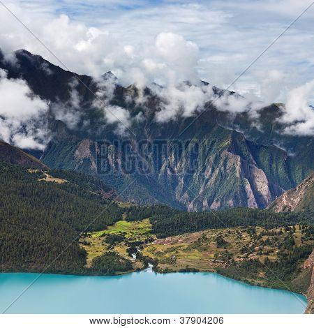 Phoksundo lake in Shey Phoksundo national park, Dolpa area, Nepal