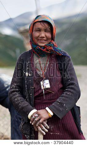 Mujer tibetana de Dolpo, Nepal