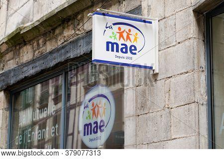 Bordeaux , Aquitaine / France - 07 28 2020 : Mae Mutuelle Assurance De L'éducation Sign And Text Log