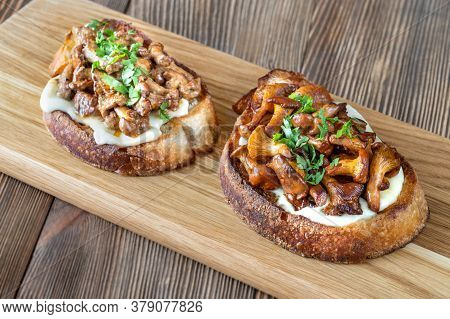Sandwiches With Fried Chanterelles