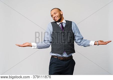 Doubt Concept - Young African American Businessman Wearing Tie And Over Light Grey Background Cluele
