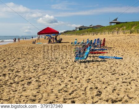 Kitty Hawk, Nc, Usa -- June 21, 2020. People Relax On The Beach On A Beautiful Sunner Day.