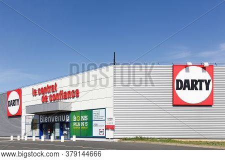 Creches, France - March 15, 2020: Darty Store In France. Darty, Founded In 1957 Is Specialising In E