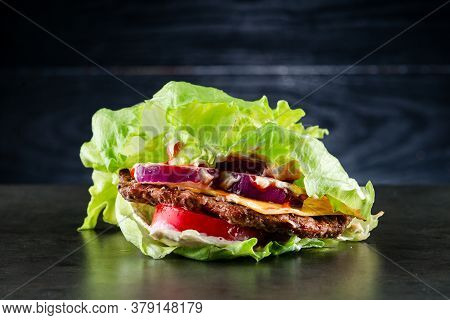 Low-carb Salad With Beef Patty, Diet Lunch With Beef Patty, Salad And Tomatoes. Keto Burger, Lettuce