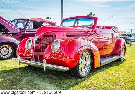 Daytona Beach, Fl / Usa - March 25, 2018: 1938 Ford Deluxe Convertible At The Spring 2018 Daytona Tu