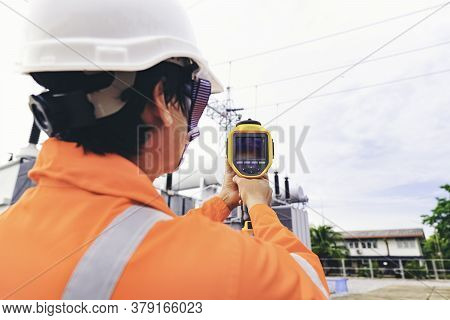 Electrical Engineers Used A Thermometer To Check For Faults In Equipment Sets, Also Known As Prevent