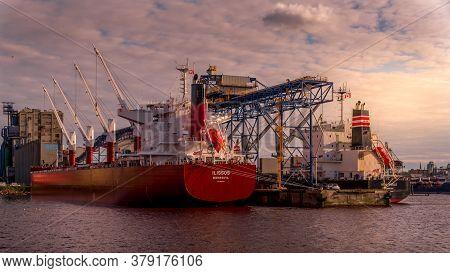 Vancouver, British Columbia/canada - July 11, 2019: Ships Anchored At The Quay Of The Bc Sugar Refin