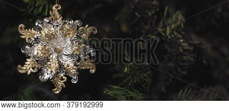 Christmas 2021 Decorations. Luxury. New Year's Toys Christmas Tree Gifts. New Year. Christmas Backgr