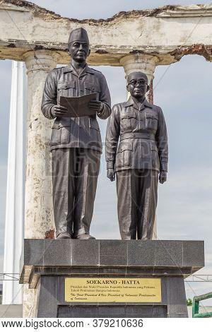 Surabaya, Indonesia - November, 04, 2017: Statue Of Soekarno Hatta As Part Of The National Monument
