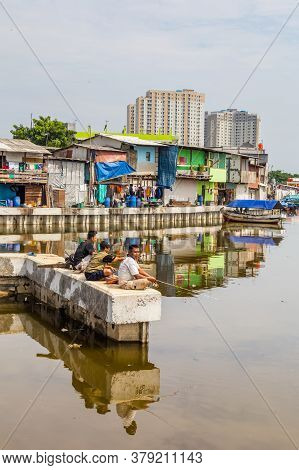 Jakarta, Indonesia - October, 28, 2017 Fishing In The Old Harbor Sunda Kelapa Of Jakarta, Java Islan
