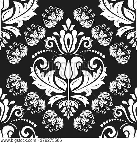 Classic Seamless Pattern. Damask Orient Black And White Ornament. Classic Vintage Background. Orient