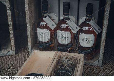 Broadway, Uk - July 07, 2020: Cotswolds Single Malt Whisky In A Window Of A Shop In Broadway, A Larg