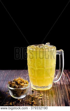 Chrysanthemum Tea, Refreshing Ice Cold Herbal Drink.