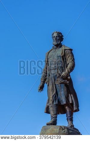 Tver, Russia - 10 11 2018: Statue Of Afanasy Nikitin In Tver Against Clear Blue Sky.  By Sculptor Se