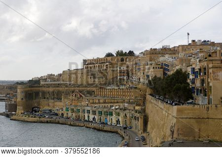 Valletta, Malta - Dec 31st, 2019: Panoramic Skyline View Of The Grand Harbor Of Valletta And Upper B