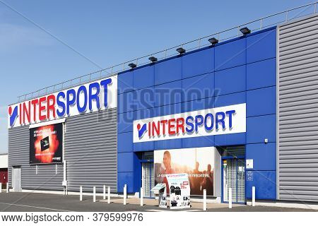 Creches, France - March 15, 2020: Intersport Store. The Intersport Group Is An International Sportin