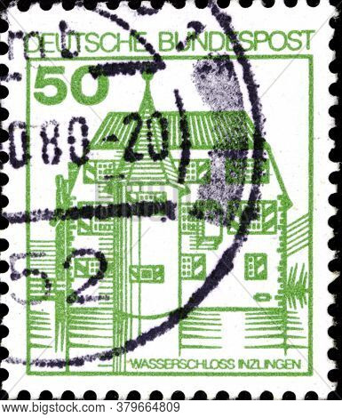 02 09 2020 Divnoe Stavropol Territory Russia The Postage Stamp Germany 1980 Palaces And Castles Inzl