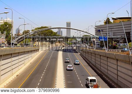 Tel Aviv, Israel - May 19, 2011: This Is A Road Junction On A Modern Highway Near Azrieli Center.