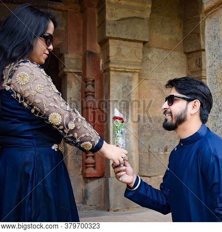 New Delhi India – November 25 2020 : A Couple Pose For Pre Wedding Shoot Inside Lodhi Garden Delhi,