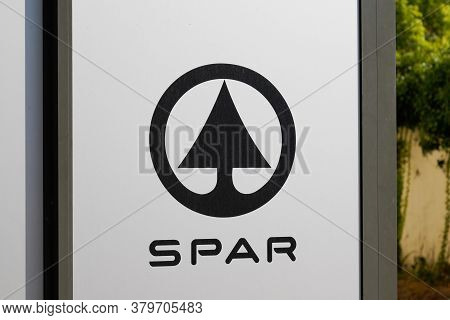 Bordeaux , Aquitaine / France - 08 04 2020 : Spar Sign Text And Grey Logo Of Store Supermarket Local
