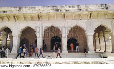Inside View Taj Mahal Tomb Mausoleum, A White Marble Of Mughal Emperor Shah Jahan In Memory Of His W