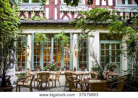 Rouen - Court Of Ancient Restaurant