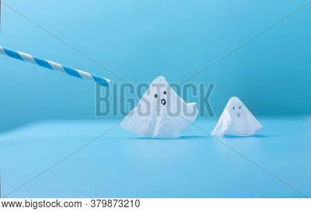 Easy Ghost Craft For Kids For Haloween Fun, Diy, Step By Step Instruction, Step 5, Blow With The Str
