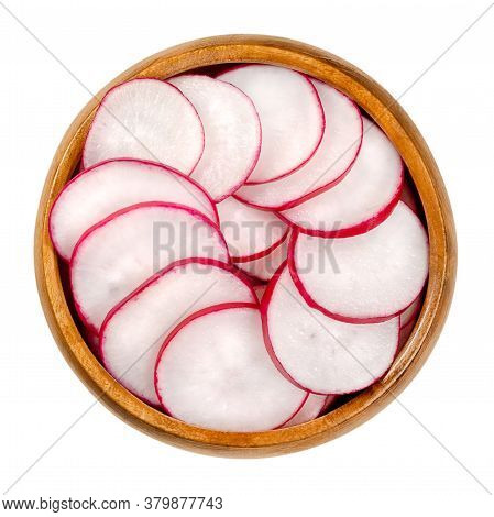 Sliced Red Radishes In Wooden Bowl. European Summer Radishes, Raphanus Sativus, With Red Skin And Wh