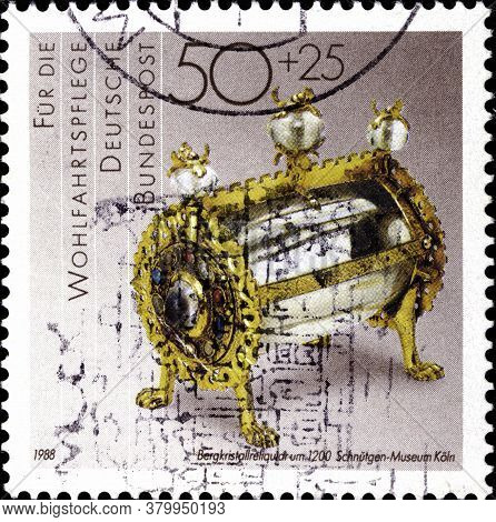 02 09 2020 Divnoe Stavropol Territory Russia The Postage Stamp Germany 1988 Gold And Silversmiths Cr