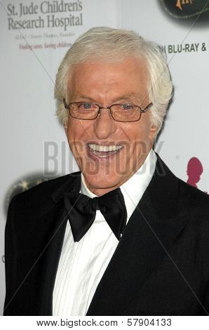 Dick Van Dyke  at the 5th Annual Runway For Life Gala Benefitting St. Jude Childrens Hostpital. Beverly Hilton Hotel, Beverly Hills, CA. 10-11-08