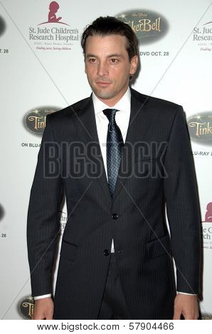 Skeet Ulrich  at the 5th Annual Runway For Life Gala Benefitting St. Jude Childrens Hostpital. Beverly Hilton Hotel, Beverly Hills, CA. 10-11-08