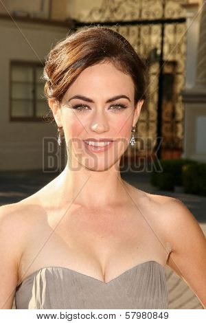 Maggie Siff  at the Premiere Screening of 'Sons of Anarchy'. Paramount Theater, Hollywood, CA. 08-24-08