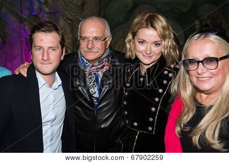 MOSCOW - JUNE, 26: R. Gigineishvili,  Nikita Mikhalkov, T. Mikhalkova, N. Mikhalkova. ��¡harity  foundation Russian Siluet. Fashion show  at the Russian Academy of art . June 26, 2014 in Moscow, Russia