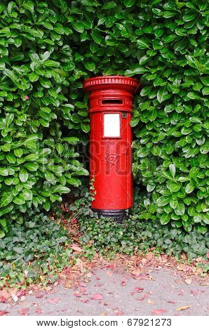 Victorian Uk Post Pillar
