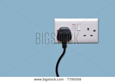 Doppel Steckdose und einzelnen Stecker eingeschaltet