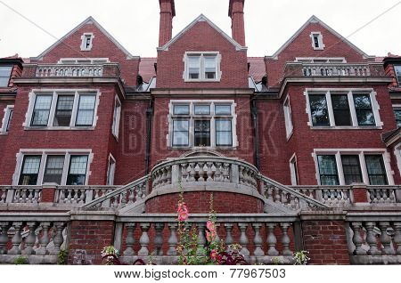 Historic Duluth Mansion Of Jacobean Style