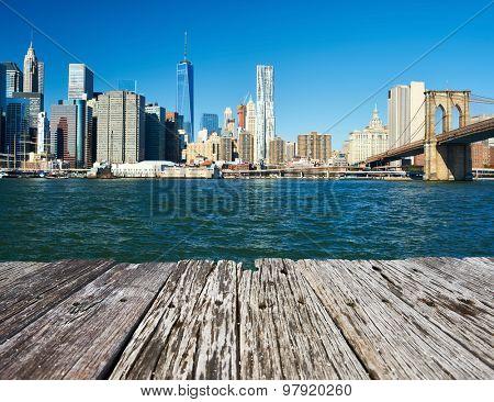 Lower Manhattan skyline and Brooklyn bridge in New York City