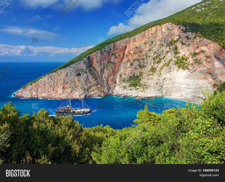 pirates bay rocks