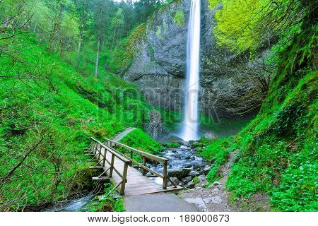 Latourell Falls Hiking Trail Footbridge Oregon Us