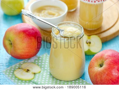 Canned apple sauce for healthy baby food