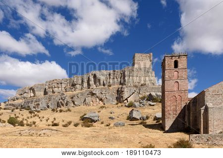 Homenaje tower of Castle Atienza medieval fortress of the twelfth century (Route of Cid and Don Quixote) Guadalajara province Castilla-La Mancha Spain.