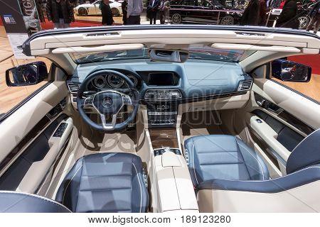 Mercedes E400 Interior